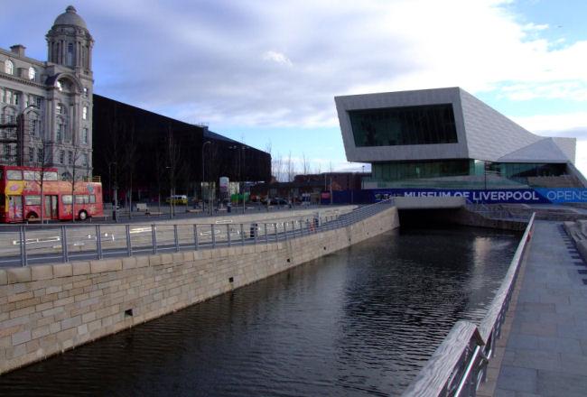 Photographs british waterways liverpool link webcam
