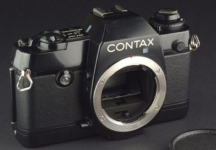 polaroid camera hvid